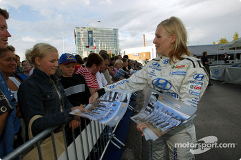 Hyundai World Rally Team girls