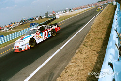 Johnny Benson into turn 11