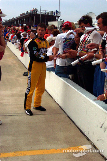 Ward Burton signing autographs