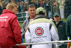 Drivers' parade: Mika Salo, David Coulthard, Jacques Villeneuve and Eddie Irvine