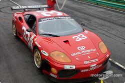 Scuderia Ferrari of Washington pit stop practice