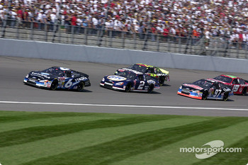 Mark Martin leads Rusty Wallace, Kurt Busch and Joe Nemechek