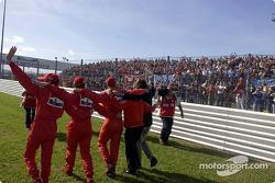 Luca di Montezemelo, Jean Todt, Michael Schumacher, Luciano Burti and Luca Badoer