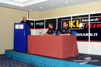 Press conference: Paul Stoddart and Justin Wilson