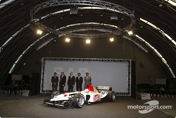 The new BAR Honda 005 on stage