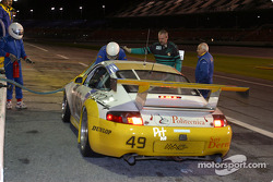 Pitstop for #49 MAC Racing Porsche GT3 RS: Bebo Orlandi, Michele Merendino, Derek Clark, Jay Wilton