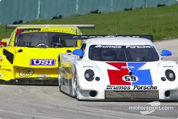 #59 Brumos Racing Porsche Fabcar: Hurley Haywood, J.C. France and #8 G&W Motorsports BMW Picchio DP2: Darren Law, Shawn Bayliff