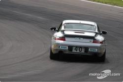 #40 Planet Earth Motorsport-Porsche 911