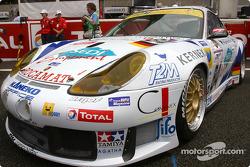 #84 T2M Motorsport Porsche 911 GT3