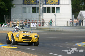 #69 AC Cobra: Bill Bridges, Sam Smart