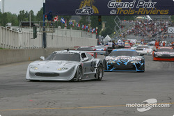 Cars leave for pace lap: Scott Pruett