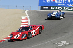 #4 1967 Ford MkIV chased by #98 1964 Cobra 427 Fliptop