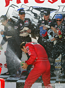 Champagne for Helio Castroneves
