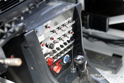 Switch panel in Michael Galati's Audi RS6
