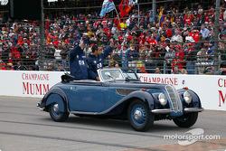 Drivers parade: Ralf Schumacher and Juan Pablo Montoya