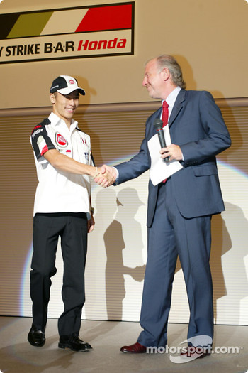 Takuma Sato is announced as full time BAR Honda driver for the 2004 Formula One World Championship, Tokyo, Japan: David Richards and Takuma Sato