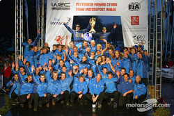 Petter Solberg and co-driver Phil Mills celebrate WRC title with the Subaru World Rally Team