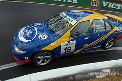 #18 Amin Chanda, Ford Falcon EL XR8: Amin Chahda, Andrew Gillespie, Brett McFarland, Mark Sutherland