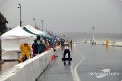 Pitlane in the afternoon during the NASA 25 hour
