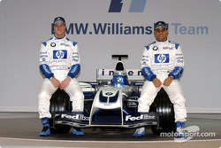 Ralf Schumacher and Juan Pablo Montoya with the new WilliamsF1 BMW FW26