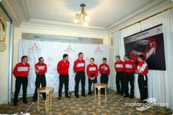 Mitsubishi crews members prior to the start