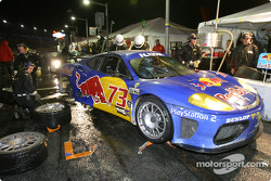 Pitstop for #73 BE Racing Ferrari 360 Modena: Klaus Engelhorn, Dieter Quester, Philipp Peter, Andrea Montermini