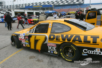 Matt Kenseth heads to track for practice
