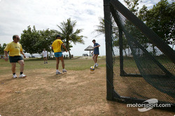 Sauber driver training in Kota Kinabalu: Felipe Massa and Giancarlo Fisichella play football