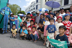 Sauber Petronas demo in Kuching: young fans
