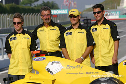Jordan-message from Bahrain: Nick Heidfeld, Eddie Jordan, Giorgio Pantano and Timo Glock
