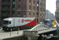 The DTM transporters arrive in Hamburg