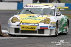 #77 Freisinger Yukos Motorsport Porsche 996 GT3 RS: Alexei Vasiliev, Nikolai Fomenko