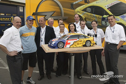 Marcel Fassler and Opel team members