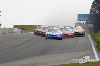 Start: Jimmie Johnson leads the field