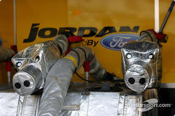 Jordan refuelling rig is developping a life of its own