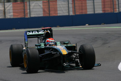 Jarno Trulli, Lotus F1 Team loses his front wing