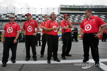 Earnhardt Ganassi Racing Chevrolet watches as Juan Pablo Montoya qualifies