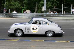#42 Porsche 356 PreA 1953: Stefan Zelmanski, Raynald Dalla-Mutta
