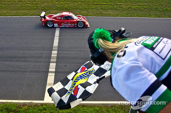 #99 GAINSCO/ Bob Stallings Racing Chevrolet Riley: Jon Fogarty, Alex Gurney takes the checkered flag
