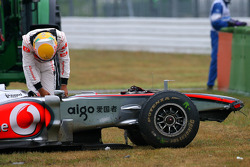 Lewis Hamilton, McLaren Mercedes crashed during the session