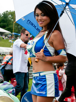 Falken Tire grid girl