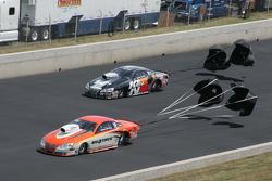 Shane Gray, Tire Kingdom Pontaic GXP and Waren Johnson, K&N Pontiac GXP