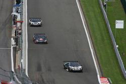 #25 Reiter Lamborghini Murcielago R: Ricardo Zonta, Frank Kechele, #11 Mad-Croc Racing Corvette Z06: Xavier Maassen, Jos Menten