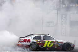 Race winner Greg Biffle, Roush Fenway Racing Ford celebrates