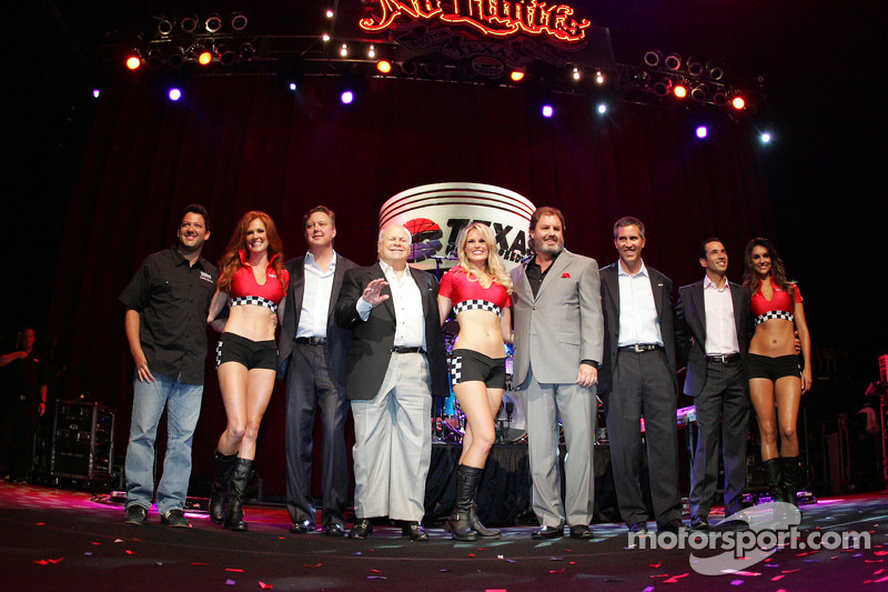Tony Stewart, Brian France, Bruton Smith, Eddie Gossage, Randy Bernard, Helio Castroneves and The Great American Sweethearts