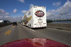 NASCAR haulers arrive in Montréal