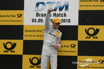 Podium: race winner Paul di Resta, Team HWA AMG Mercedes