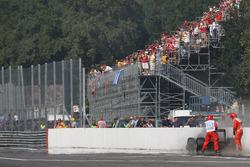 Trouble for Jarno Trulli, Lotus F1 Team