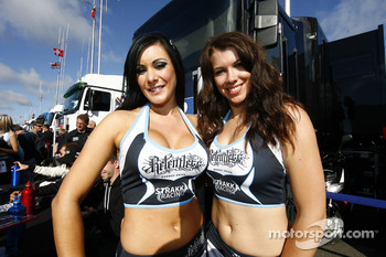 The lovely Strakka Racing girls