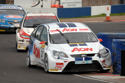 Tom Onslow-Cole leads Gordon Shedden and Alex MacDowall